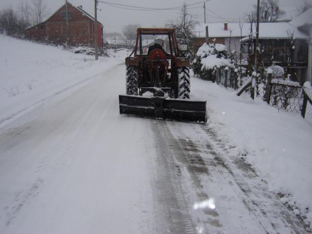 raonik-za-sneg-za-traktor-big-2
