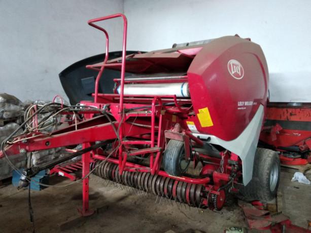 presa-za-baliranje-slame-welger-lely-415-big-1