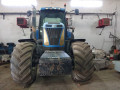 prodajem-traktor-new-holland-t8040-small-1