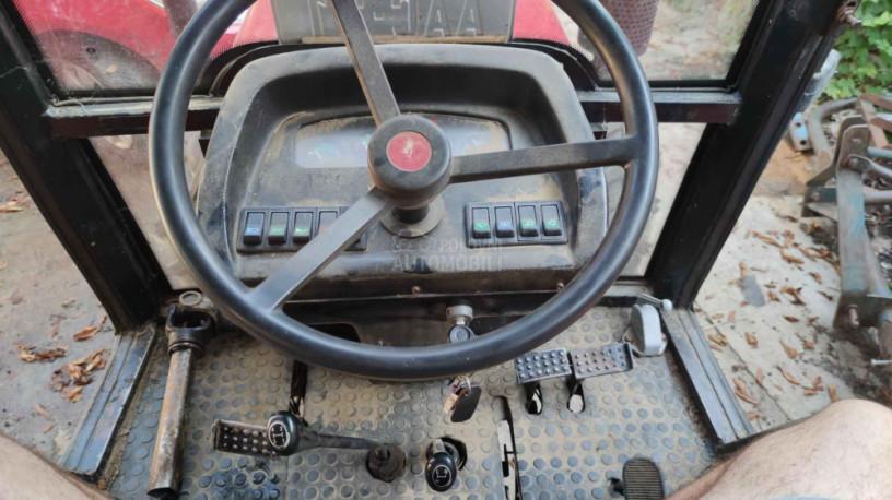traktor-yto-454-4wd-big-3