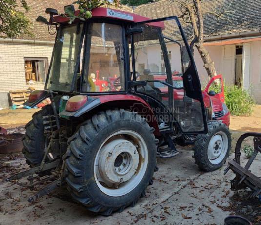 traktor-yto-454-4wd-big-1