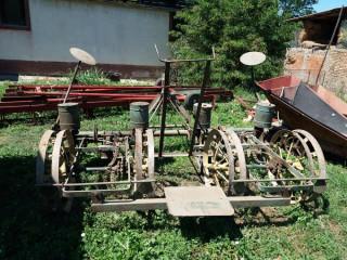 Mehanička sejalica za kukuruz i suncokret