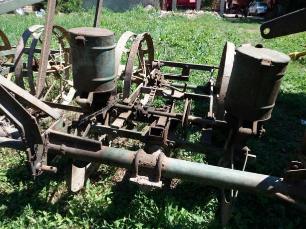 mehanicka-sejalica-za-kukuruz-i-suncokret-big-2
