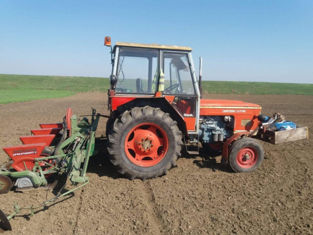 zetor-4718-traktor-big-1