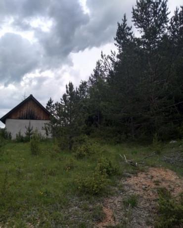 zemljiste-46ari-sa-objektom-big-0